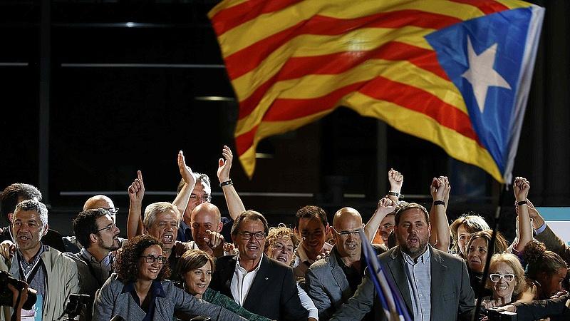 Katalán népszavazás: mindenki a másikat vádolja