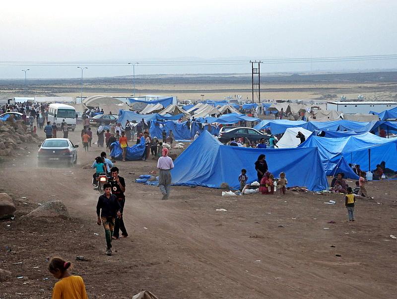 Törökország: Szíriában kell óriástábort létesíteni