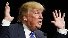 Beragadt egy liftbe Donald Trump