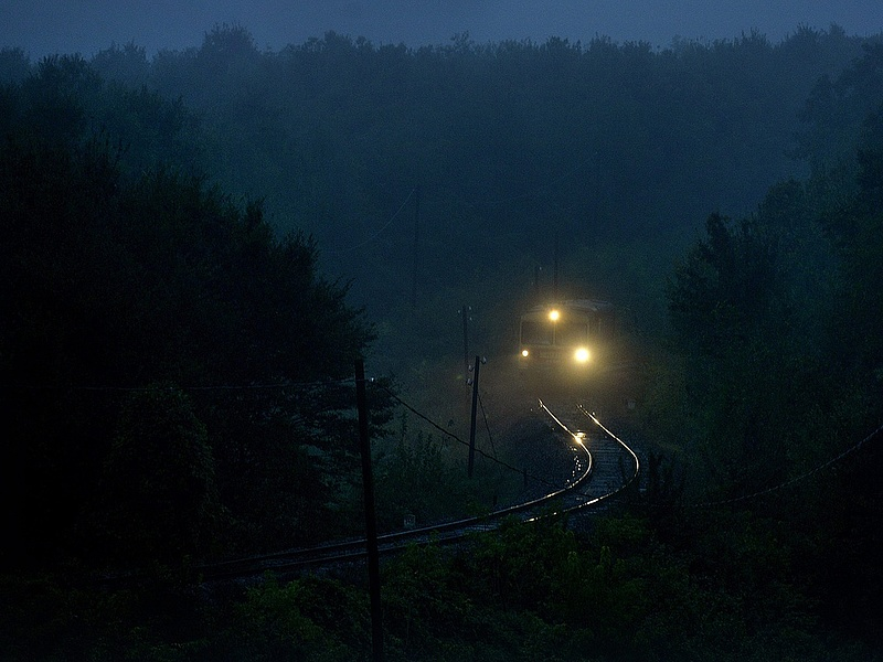 Szijjártó: óriási jelentősége van az új nemzetközi vasútvonalnak