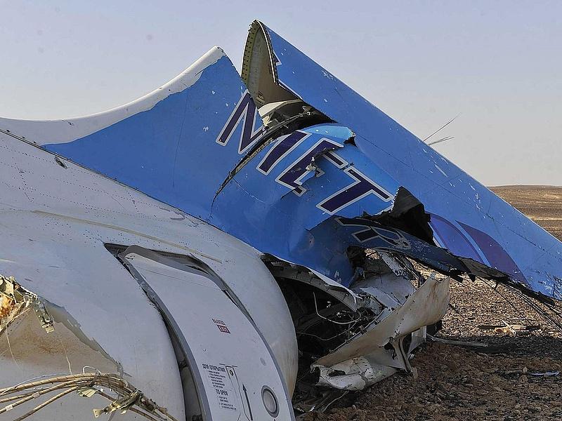 A földet érés előtt darabjaira hullott az orosz repülő