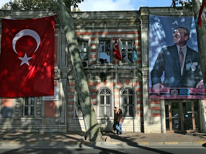 Törökországban őrizetbe vettek 35 embert puccskísérlet szándéka miatt