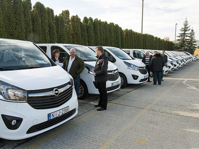 Hatalmas autóbeszerzés kavarta meg a magyar piacot