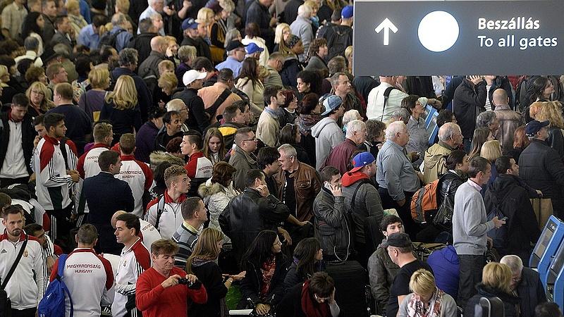 Nyaralni indul? Hosszú sorbaállásra készülhet az európai reptereken