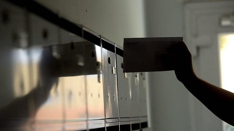 Postai csalás terjed - már a papírlevelekben sem lehet bízni