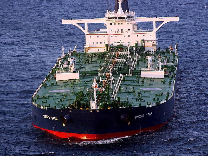 Ütközött egy olajszállító tanker