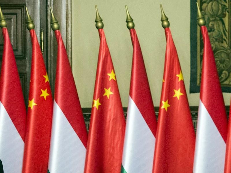 Ki nem találná, mivel segítjük az itt élő kínaiak beilleszkedését, munkavégzését