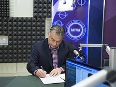 Orbán: elfogadhatatlan a magyarok kilökése Schengenből