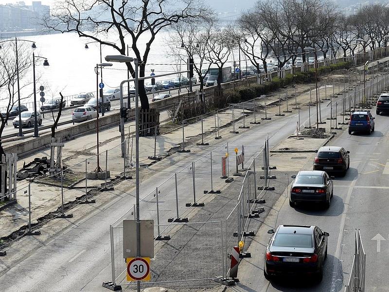 Autósok figyelem: nagy változások Buda közlekedésében