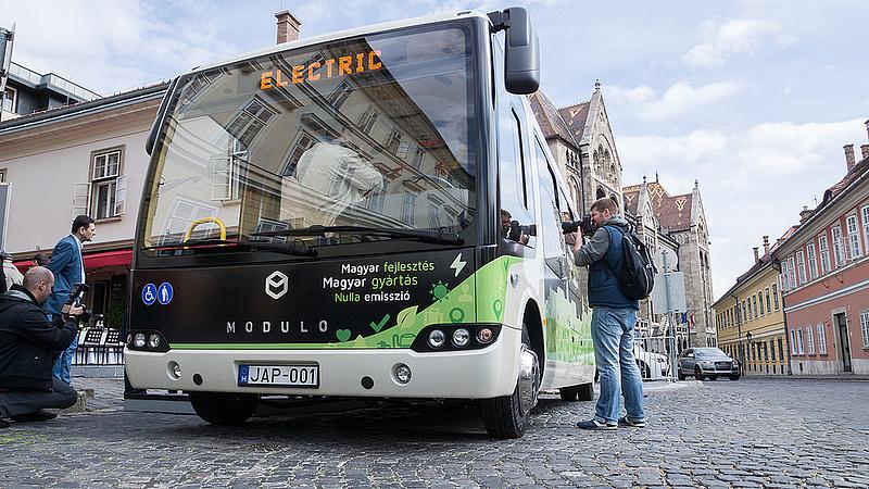 Magyar busz menni Spanyolország