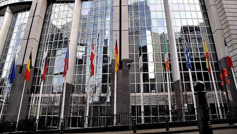 Európai Parlament: szigorítanák a biztosok magatartási kódexét