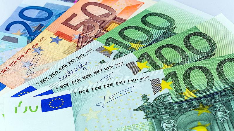 Osztrák jegybankelnök: negatív infláció jöhet az euróövezetben