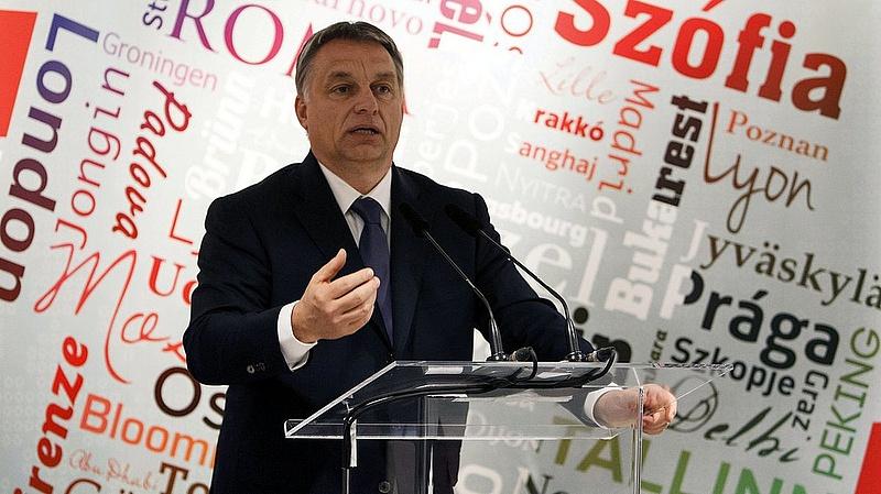 Orbán és társai visszahozzák a bukott szocializmust (FT)