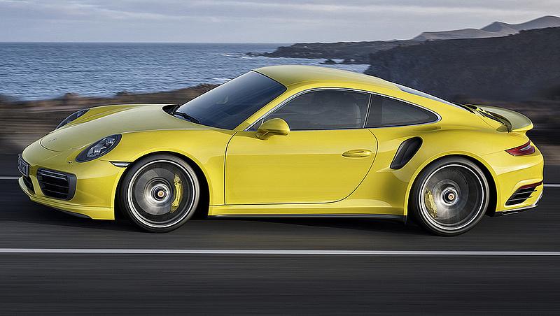 A Porsche leállította az újautó-értékesítést Európában