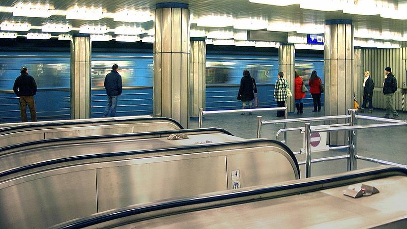 Már csak a jövő nyáron kezdődhet a hármas metró felújítása