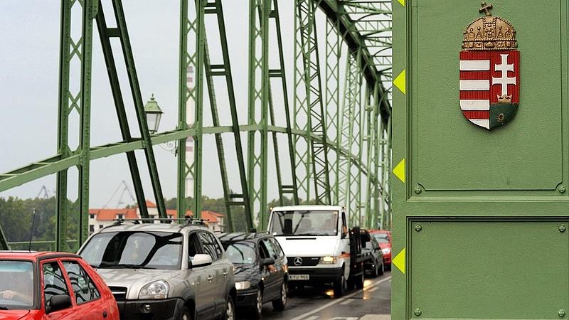 Tüntettek a határátlépés szigorításai ellen több szlovák határátkelőnél