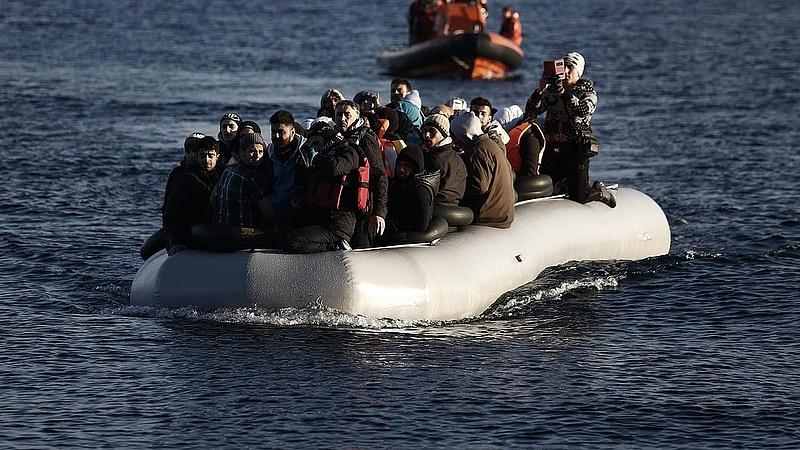 Töretlen a bevándorlási áradat - figyelmeztet a német kormány