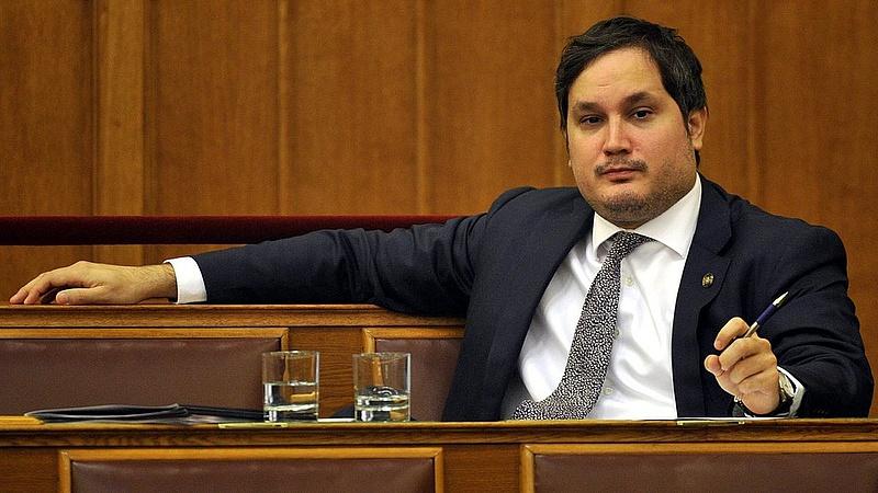 Az MNB alelnöke bezáratná a bankfiókokat