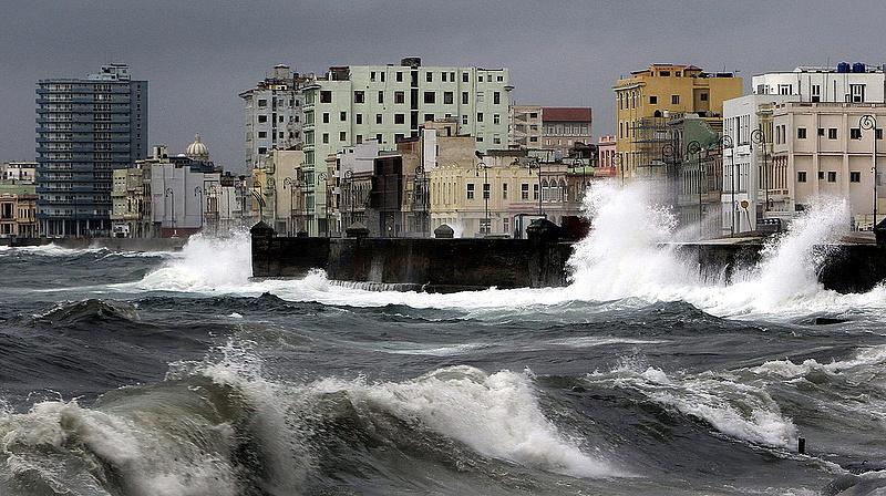 Nagy baj van Kubában? - Castro is beismerte