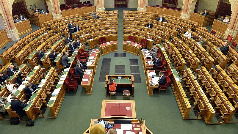Újra nekifutnak az MNB-törvény módosításának