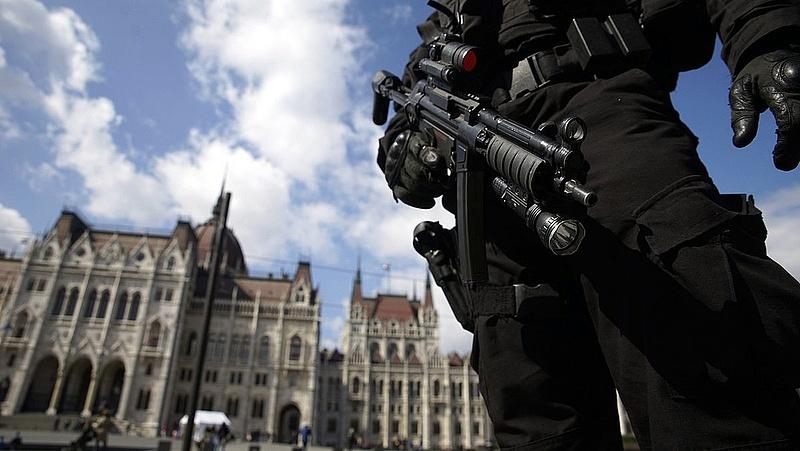 Akciózott a Terrorelhárítási Központ az Újlipótvárosban