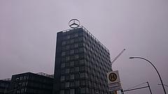 Már a Daimlerre is rászálltak - bebukott az árfolyam