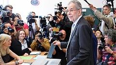 Bizakodó az új osztrák államfő
