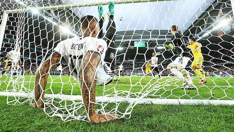 Meghosszabbítanák a focimeccsek félidei szünetét
