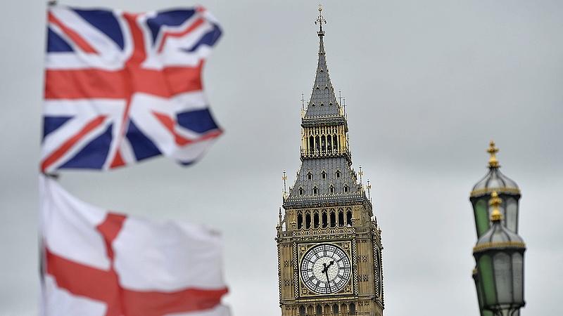 Még nincs is Brexit, máris béna kacsák a britek