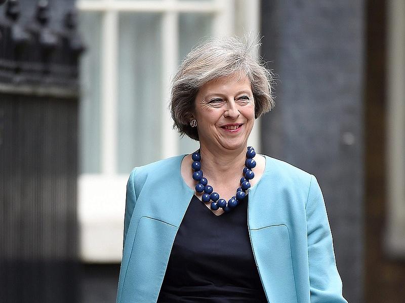 Theresa May hamarosan felkeresi a királynőt