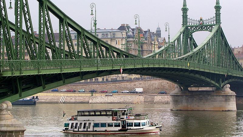 Megszűnt a forgalomkorlátozás a Szabadság hídnál
