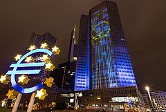 Már nincs ráhatása Magyarországnak a forintra - 340-ig is gyengülhet