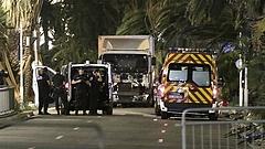 A tömegbe hajtott egy teherautó Nizzában - halottak