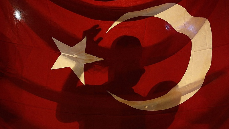 A gyerekeken csattan Erdogan tisztogatása