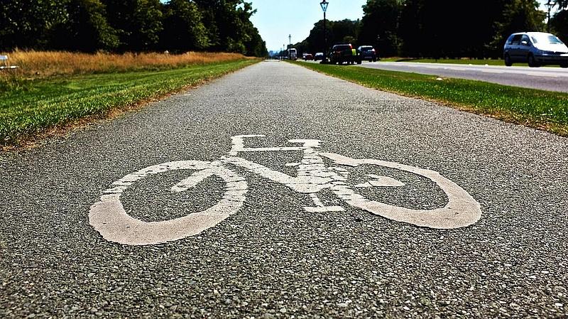 Új kerékpárút épül uniós pénzből