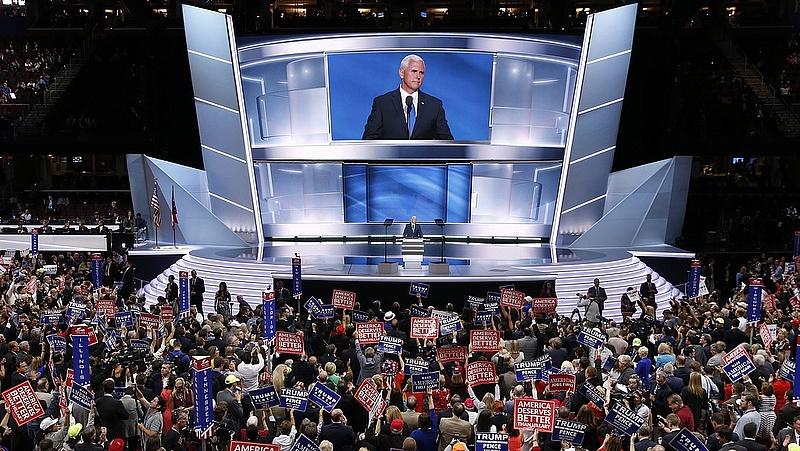 Mike Pence elfogadta az alelnökjelöltséget