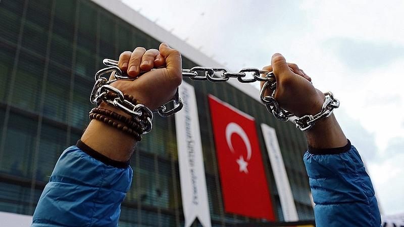 Ezt ígérte a török külügyér Strasbourgban
