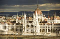 Bye-bye Budapest - a parlament képével búcsúzik az Uber