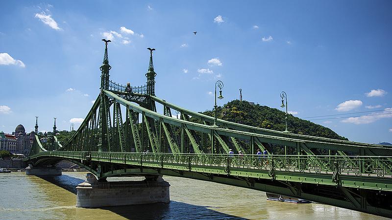 Lezárták a Szabadság hidat