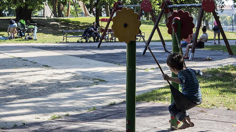 Hol vannak az Orbán-gyerekek? Mutatjuk az adatokat
