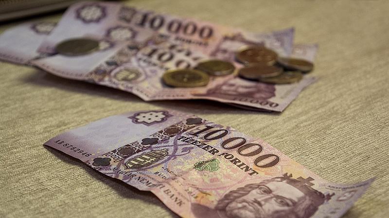 Szakszervezet: csökkenhetnek a nettó bérek