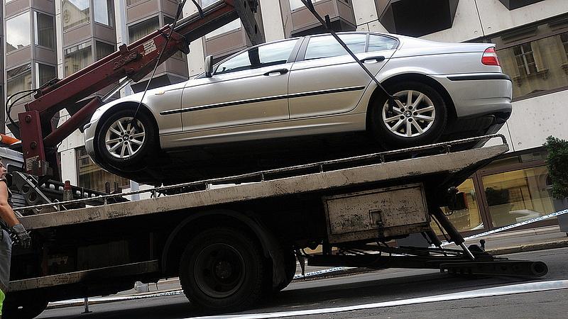 Döntött a kormány: változás jön az autóelszállításnál