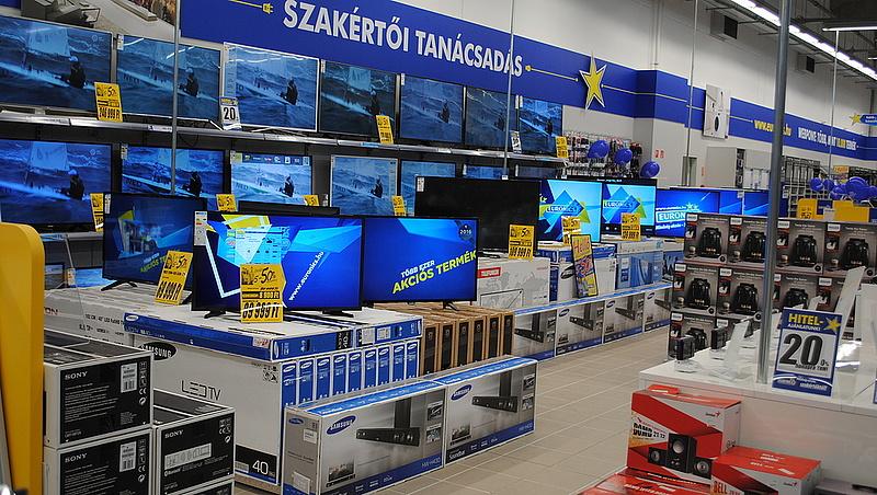 Megrohamozták a boltokat a magyarok - ezek a slágertermékek