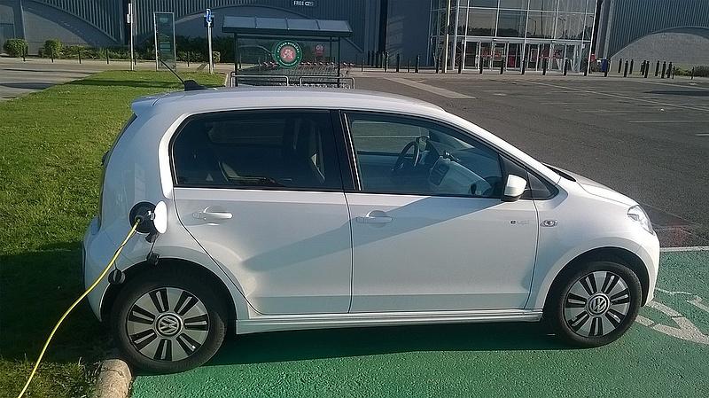 Összetörtek egy elektromos Volkswagent - íme, a tapasztalatok