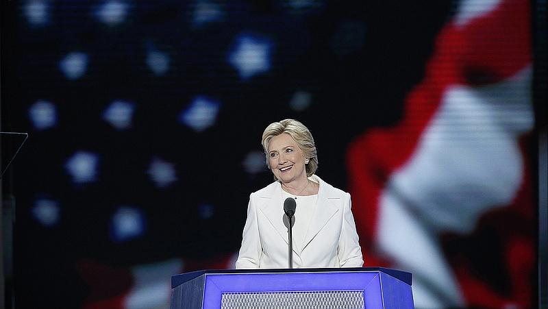 Hillary Clinton felajánlotta támogatását Trumpnak