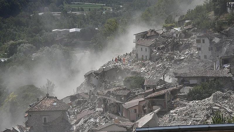 Tragédia Olaszországban - nőtt az áldozatok száma