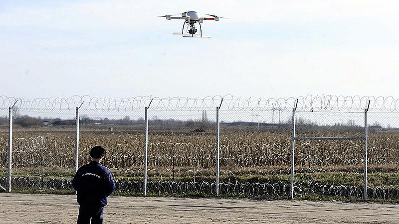 Törvény mondaná ki, hogy nem lehet védett személy lakhelye felett drónozni