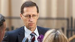 A hatéves bérmegállapodást értékelik Vargáék hamarosan