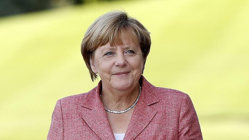 Merkel: riasztó a sajtószabadság korlátozása
