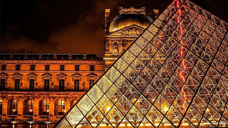 Nem lehet bejutni a Louvre-ba - mi történt?